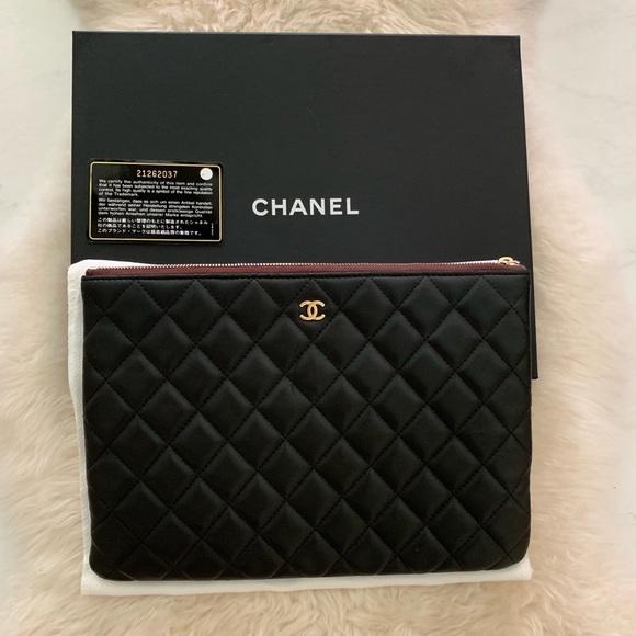 CHANEL Handbags - Channel clutch bag 🖤
